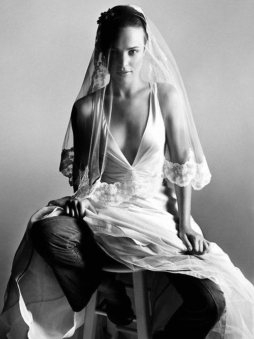 Rachel McAdams Auto-Straddle Bride