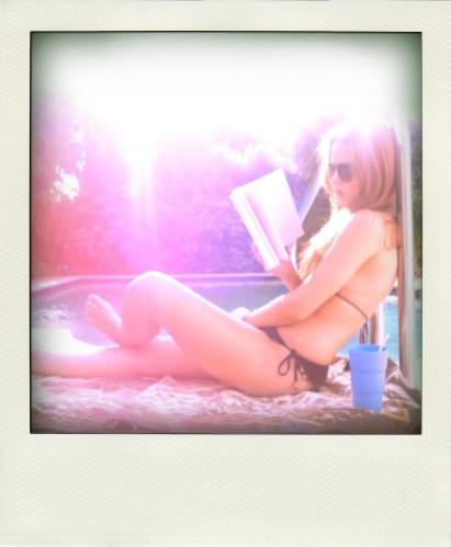 lily reading 00-pola