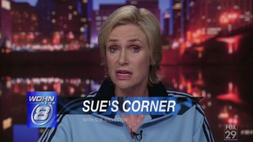 jane-lynch-sues-corner-00961