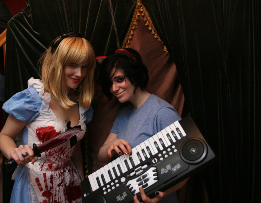Alice and Keyboard Cat