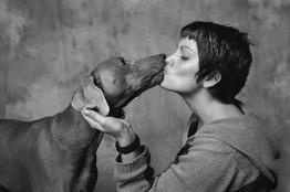 dog-kiss
