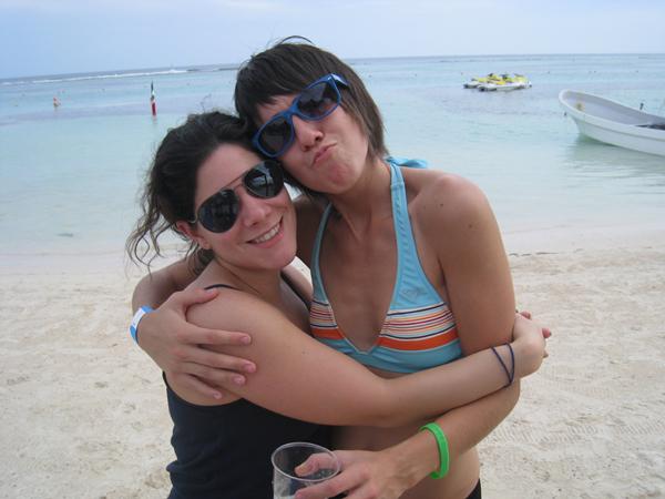jess-alex-beach