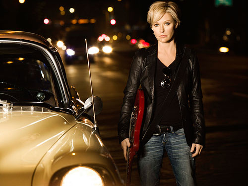 photo of Shelby Lynne  - car