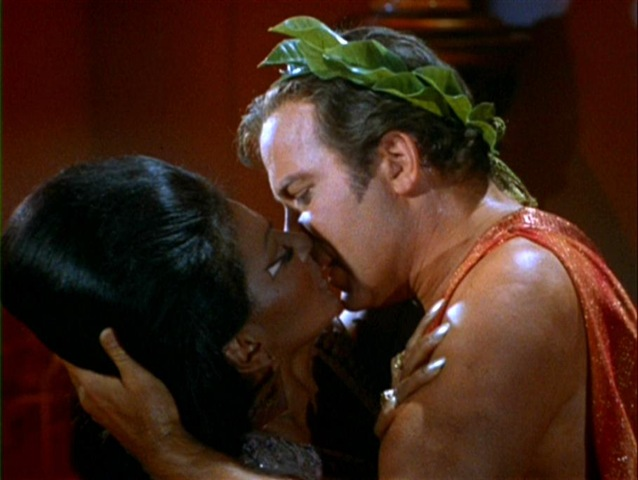 uhura-and-kirk-kiss