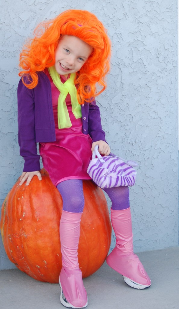 Boo ...  sc 1 st  Autostraddle & 5-Year-Old Boyu0027s Daphne Costume Throws Gender-Conscious Parents Into ...