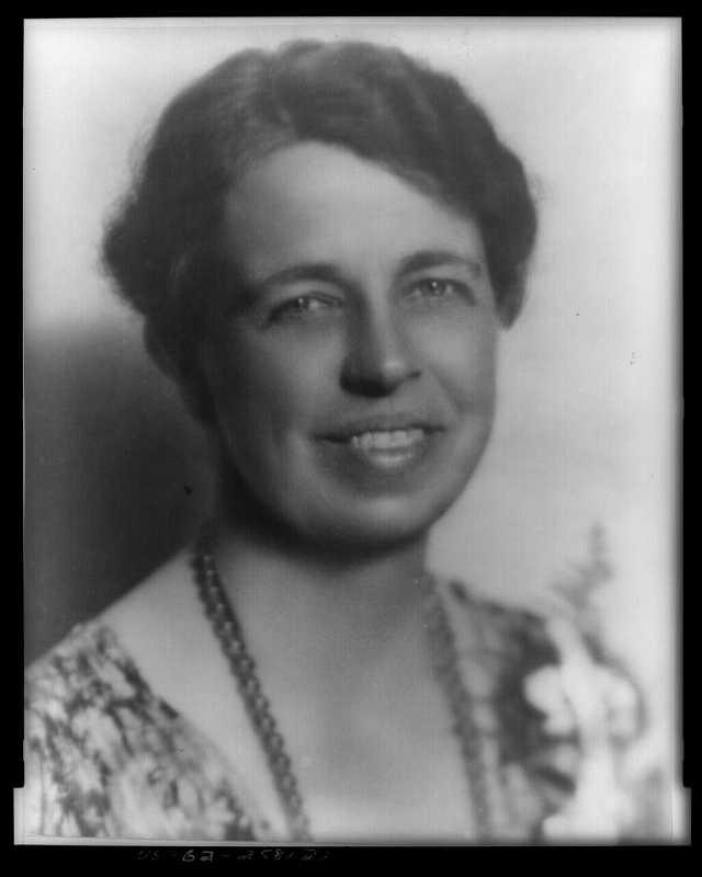 20051004190501!Eleanor_Roosevelt_portrait_1933