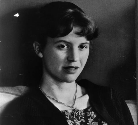 Pure poetry 29 sylvia plath is depressing autostraddle for Mirror sylvia plath