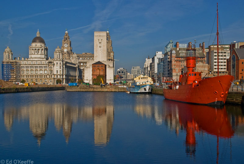 red_ship_albert_docks_liverpool