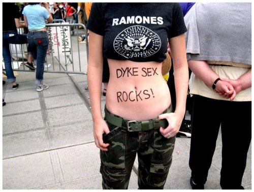 dyke-sex