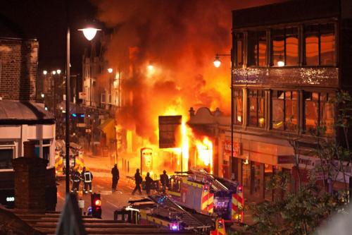 london riots 13
