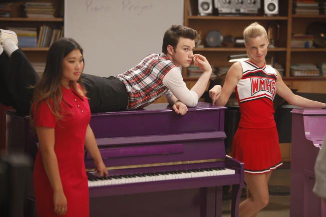 Glee_Scene11-13ChoirRoom_0469