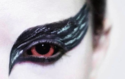 You Still Have Time for a (Gay) Halloween Costume: The Black Swan