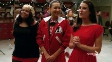 2-santana-is-awfully-happy-despite-this-being-the-first-christmas-she-has-to-spend-without-her-grandmother
