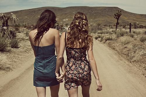 desert-girls