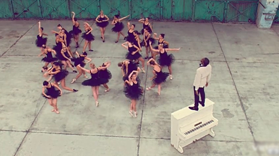 Kanye_West-Runaway-music_video