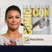 Naya-Rivera-at-the-Comic-Con-International-Glee-Panel-naya-rivera-31487818-594-416