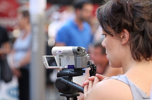 woman_filming