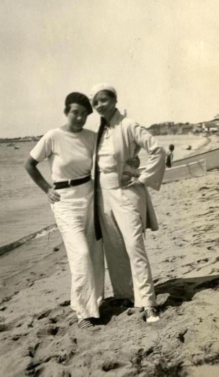 1925-Thelma Wood and Djuna Bar...