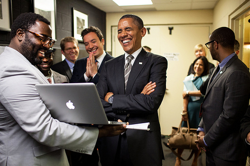 obama-with-laptop