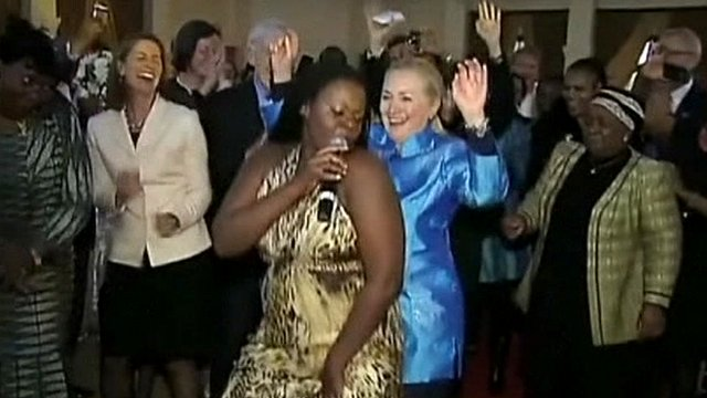 hillary clinton dancing in south africa again