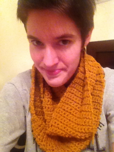 LOOK GUYS I MADE MY OWN SCARF!