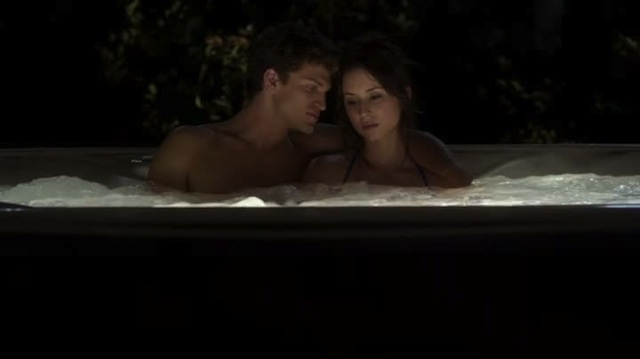 FARTING IN THE HOTTUB