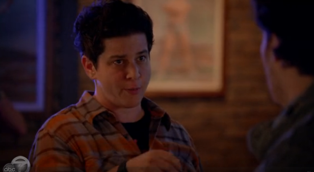 julie goldman was in happy endings for ten seconds last week!