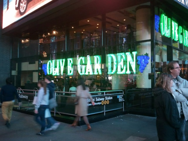 olive-garden-times-square