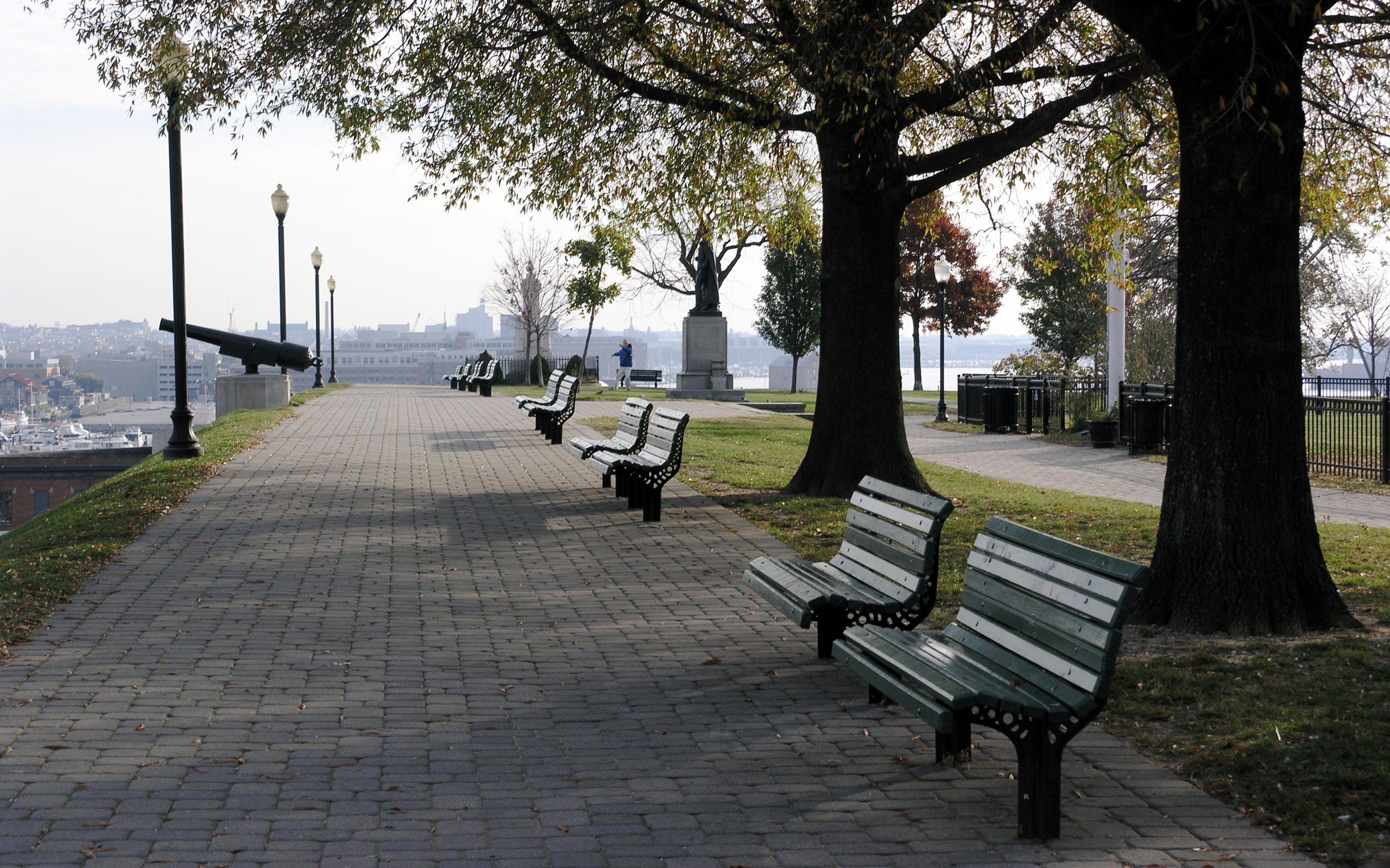 sidewalk-benches