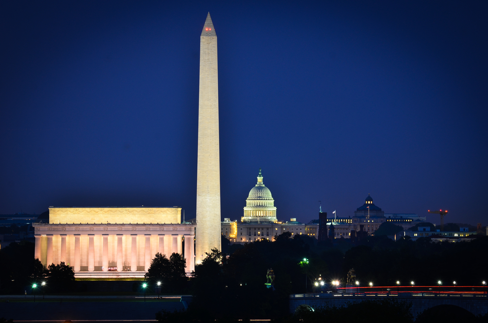 washington dc via shutterstock