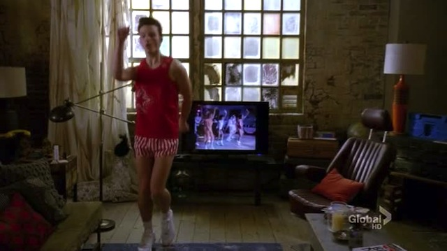 he knows richard simmons so well he doesn't even need to face the television to follow along