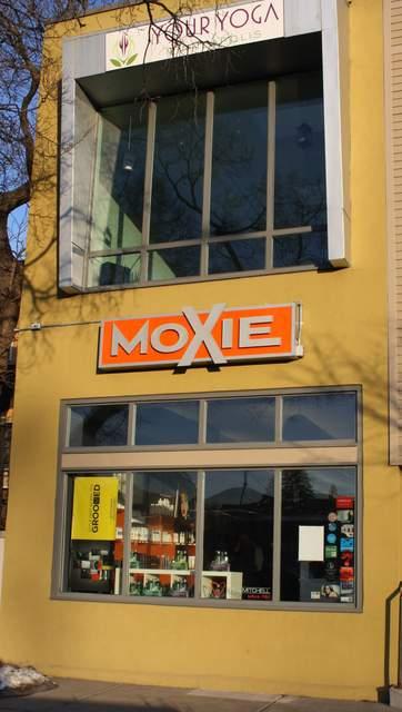 Moxie_LookinSexy