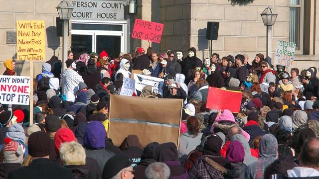 ap_steubenville_rape_protest_jt_130309_wg-1
