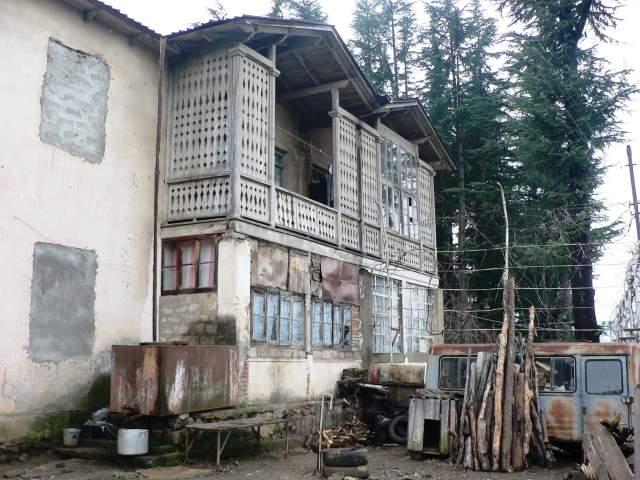 village_house_winter