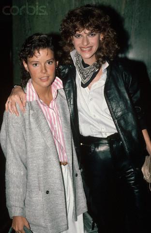 Amanda Bearse and Sandra Bernhard, 1983 (Image by © CORBIS)