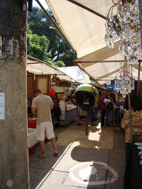 antique-fair-at-vila-madalena_neighborhood