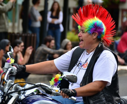 DYKES ON BIKES AT THE 2011 SOUTHERN OREGON PRIDE PARADE {VIA QUALIA FOLK}