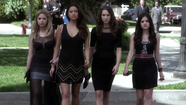 Pretty_Little_Liars_S04E01_KissThemGoodbye_net_1290