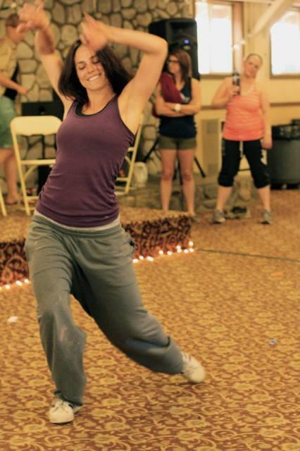 devyn's dance grooves (photo by aki)