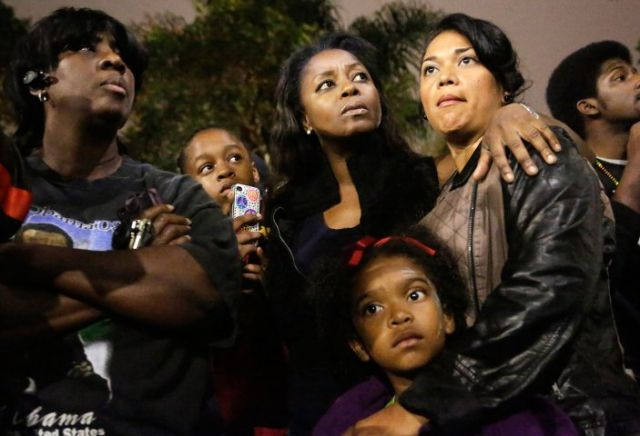 Los Angeles rally on Saturday night (REUTERS/Jason Redmond)