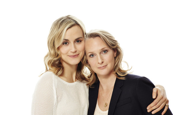actress taylor schilling with piper kerman
