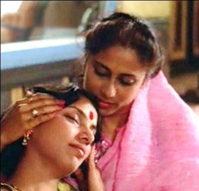 Shabana Azmi as Rukmini and Smita Patil as Zeenat in Mandi  via India Times