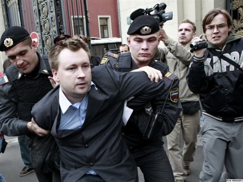NIKOLAI ALEKSEYEV IS ARRESTED AT A 2011 PROTEST IN MOSCOW (VIA VIJESTI)