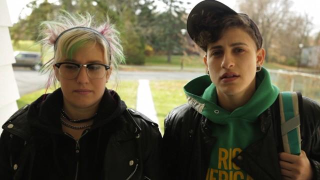 Heather Acs (Michelle) and Zari Estan (Iris) in Valencia