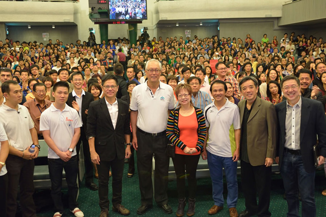 ESM Goh Chok Tong with the FCBC congregation  via FCBC