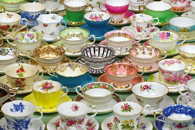 70027-teacups