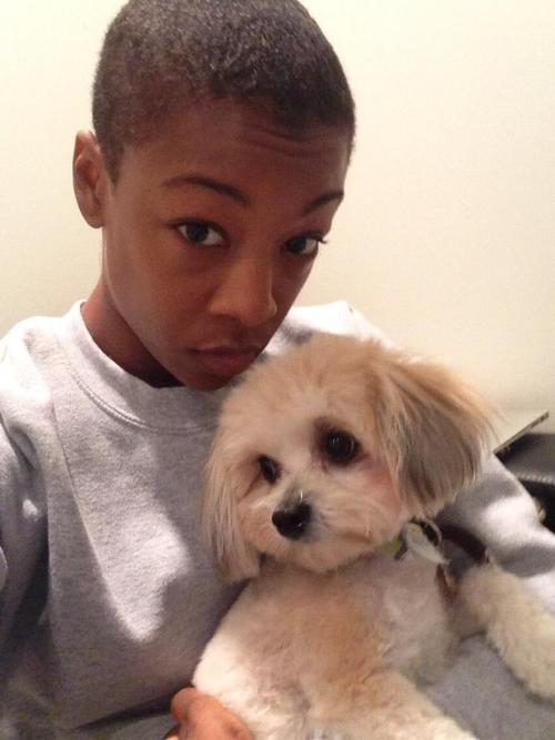 samira-wiley-with-a-puppy