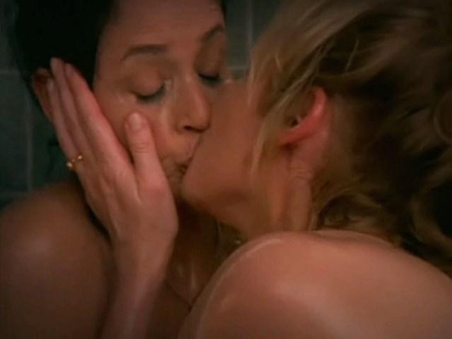 sex-and-the-city-samantha-maria-kiss
