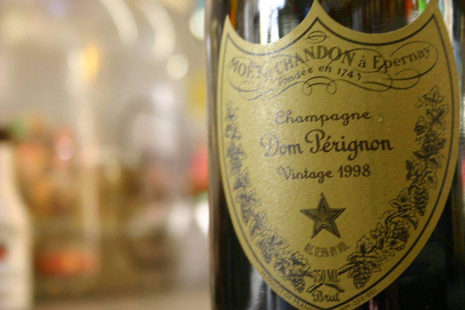 Dom_Perignon_Bottle