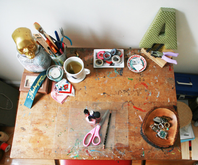 I'm obsessed with this photo of Alison's workspace.